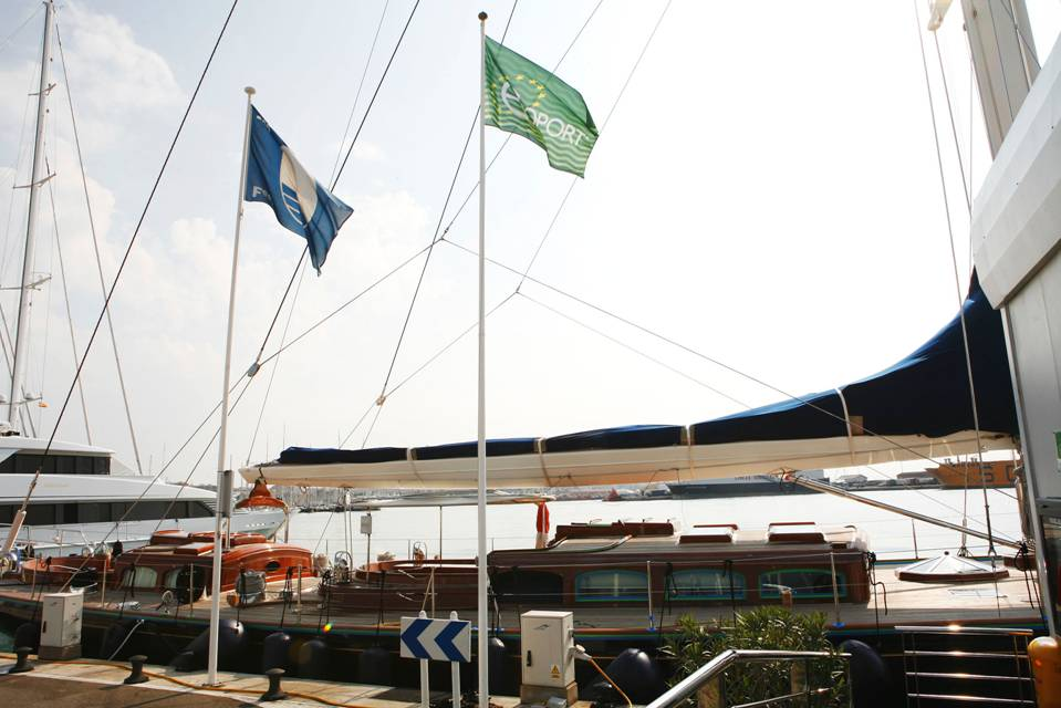 marina-port-de-mallorca-certifica-su-compromiso-con-el-medio-ambiente-tras-renovar-su-bandera-azul-concedida-desde-el2002