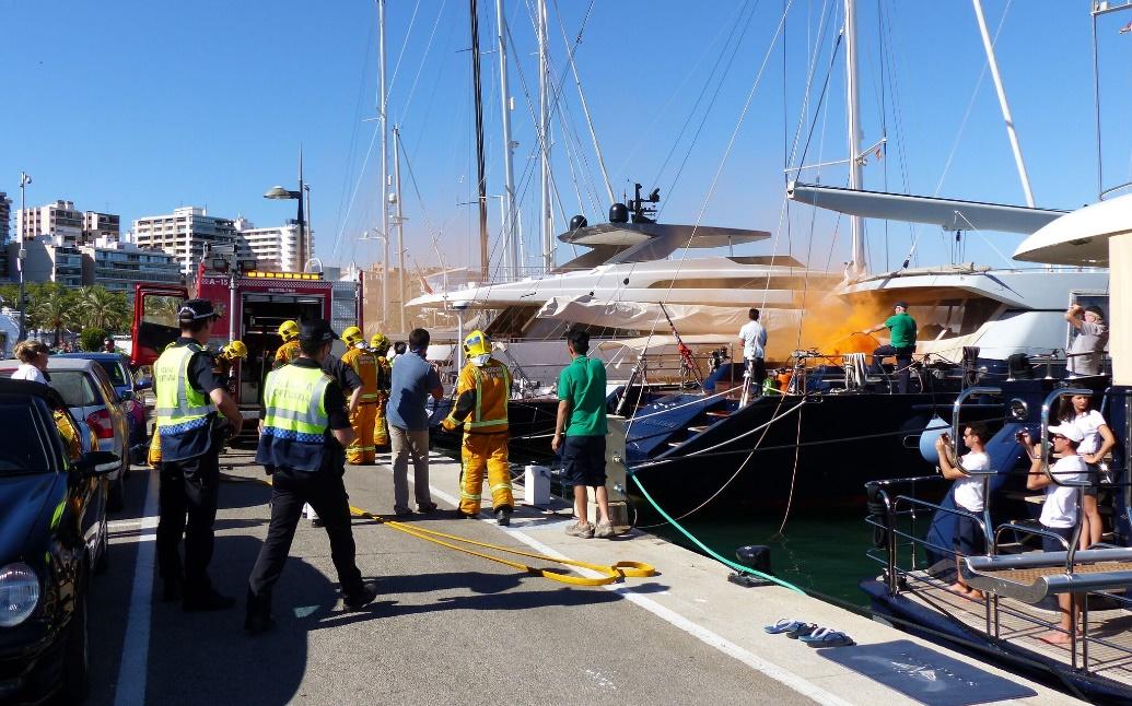 gran-despliegue-de-emergencias-en-un-simulacro-de-incendio-en-las-marinas-de-i-p-m-group
