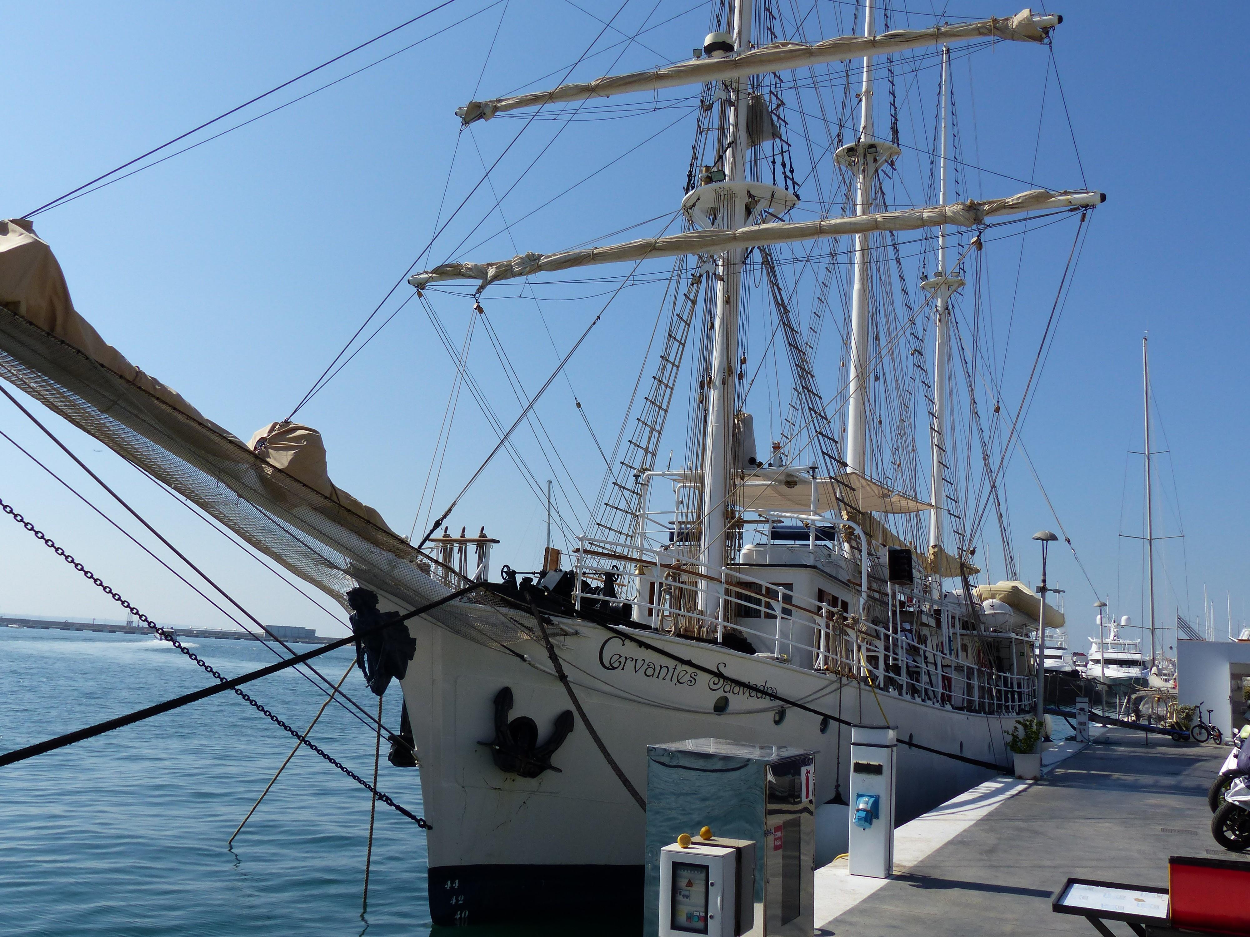 el-buque-escuela-cervantes-saavedra-en-marina-palma-cuarentena