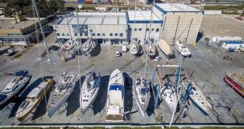 Varadero Valencia continua su actividad con medidas sanitarias especiales.  Y un servicio de traslado gratuito de embarcaciones por seguridad de sus clientes.