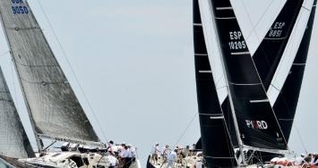 Varadero Valencia celebra su propio trofeo de vela