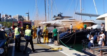 Gran despliegue de emergencias en un  simulacro de incendio en las marinas de IPM Group